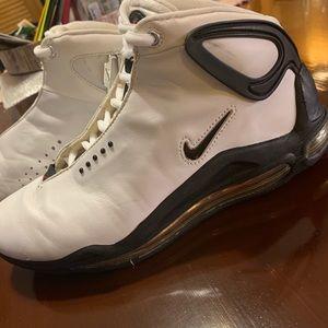 Nike Air Max men's 9.5